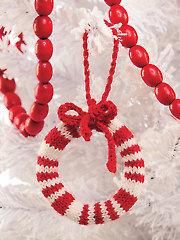 ANNIE'S SIGNATURE DESIGNS: Candy Cane Wreath Knit Pattern