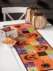 EXCLUSIVELY ANNIE'S QUILT DESIGNS: Spooktacular Table Runner Pattern