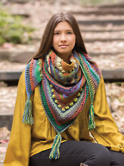 ANNIE'S SIGNATURE DESIGNS: Hidden Hills Shawl Crochet Pattern