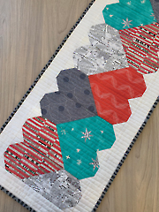 Let's Play Hearts Table Runner QP Pattern