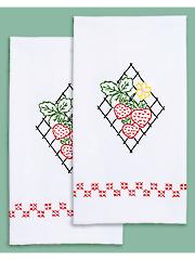 Strawberries Prestamped Hand Towels 2/Pkg. Pattern