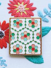 Vintage Flower Garden Quilt Needle Minder