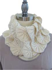 Scalloped Ruff Cowl Knit Pattern