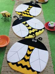 Bee Happy Place Mat or Table Topper Pattern